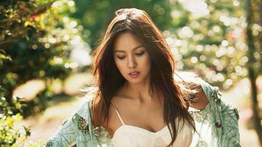 Hai biểu tượng gợi cảm Kpop buông bỏ sự nghiệp khi yêu
