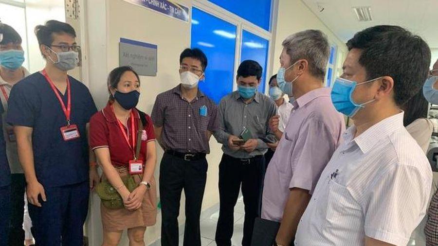 Thứ trưởng Bộ Y tế: 'Tôi lo lắng về tình hình xét nghiệm ở Quảng Nam'