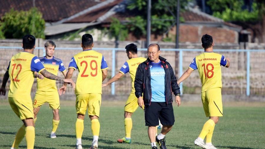 Thêm một lần thử thách cho bóng đá Việt Nam