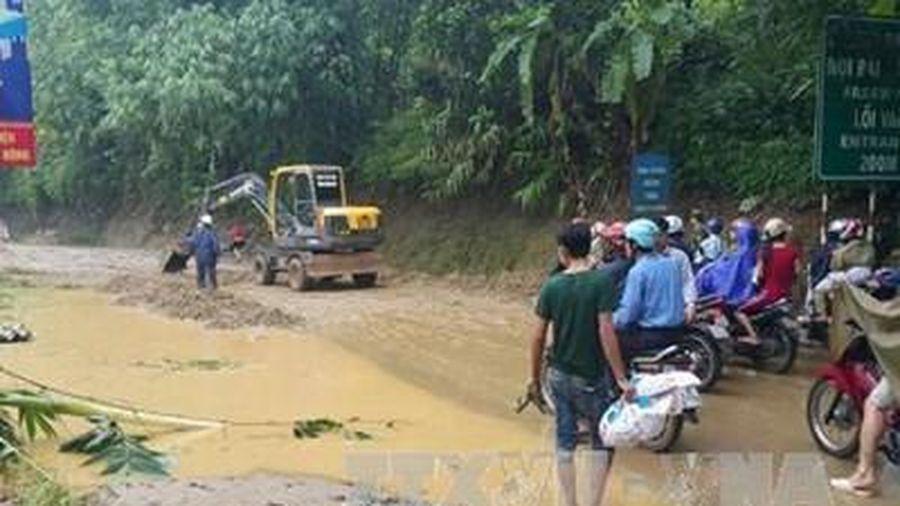 Yên Bái: Mưa lớn và sạt lở đất gây nghẽn giao thông tại huyện Trạm Tấu