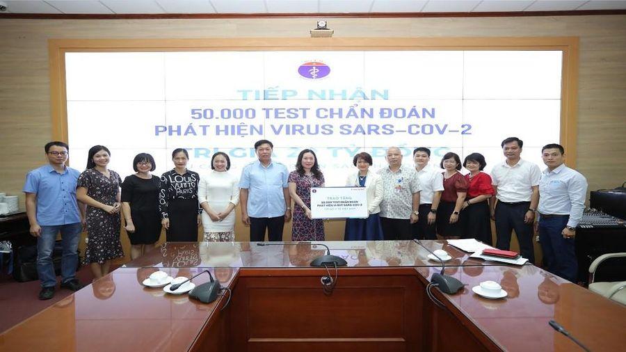 Sao Thái Dương tặng 50.000 kit xét nghiệm chẩn đoán Covid-19 trị giá 20 tỷ đồng