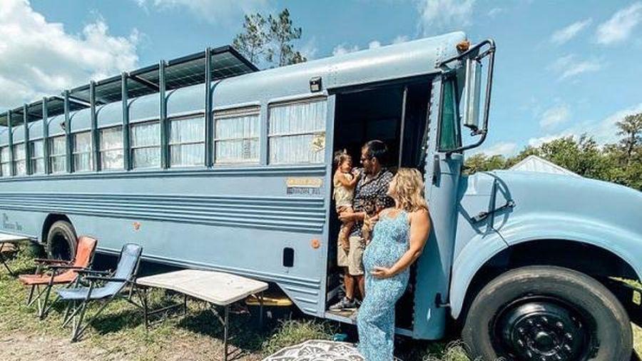'Ngôi nhà xe buýt' giúp vợ chồng trẻ sống sung túc chỉ cần 5 triệu đồng/tháng
