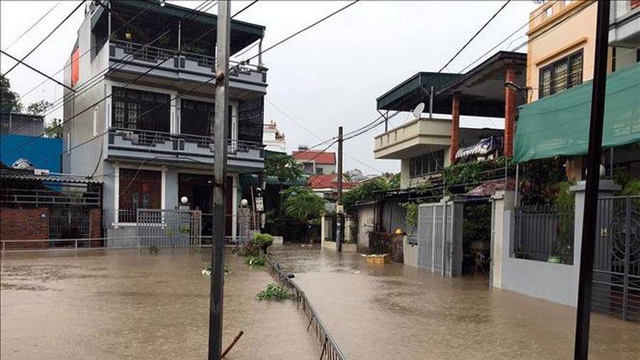 Quảng Ninh có một người chết, nhiều tuyến kè sạt lở do bão số 2