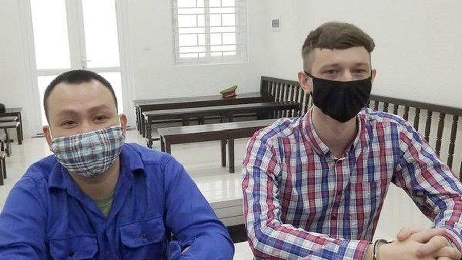 Hà Nội: Chủ quán cơm học pha chế ma túy trên mạng, bán cho khách nước ngoài