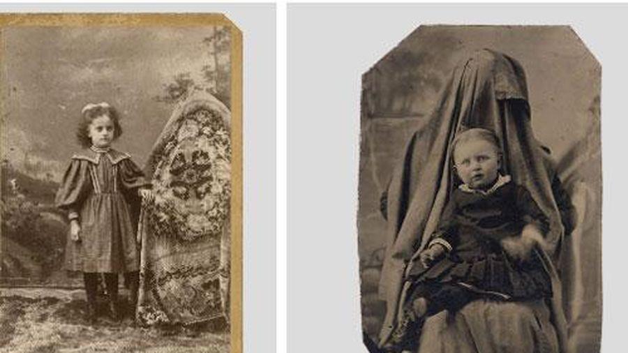 Ảnh chụp những đứa trẻ thời xưa sẽ thật bình thường nếu như không ai để ý nhân vật bí ẩn luôn ngồi phía sau chúng