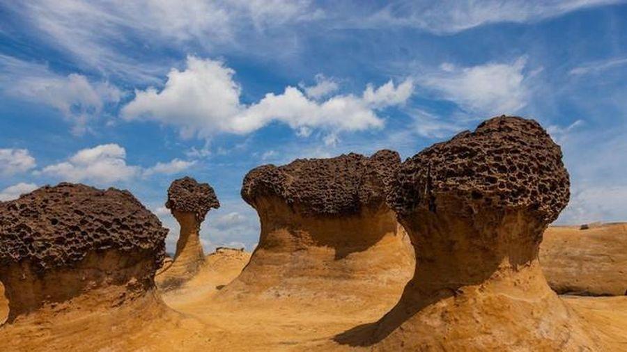 Sao sa mạc lắm cát, nấm đá hình thành như thế nào?