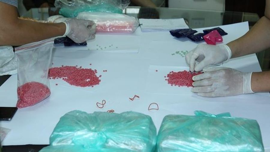 Vận chuyển gần 95.000 viên ma túy với giá 150 triệu đồng