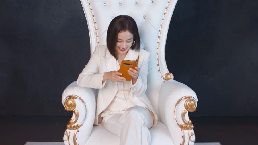 Ốp lưng điện thoại của Kim Tae Hee gây bão cộng đồng mạng vì lý do bất ngờ