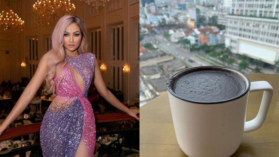 Thức uống 'đen sì' mới được H'Hen Niê lăng xê hóa ra lại chứa vô vàn lợi ích tốt cho cả nhan sắc lẫn vóc dáng