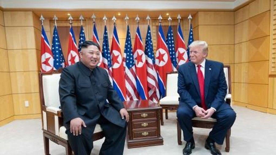 'Bất ngờ tháng 10' của ông Trump là gì?
