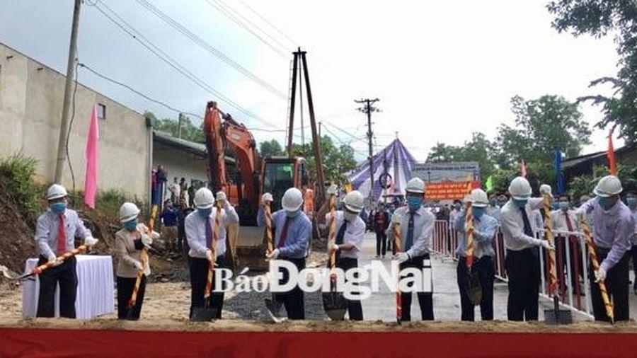 Khởi công xây dựng cầu Thanh Sơn