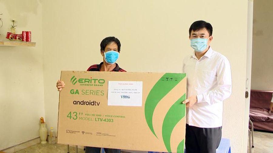 Trao kinh phí hỗ trợ xây nhà cho gia đình chính sách tại TP Móng Cái
