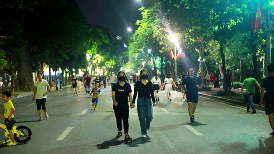 Tạm dừng lễ hội, hoạt động đông người tại không gian đi bộ hồ Hoàn Kiếm