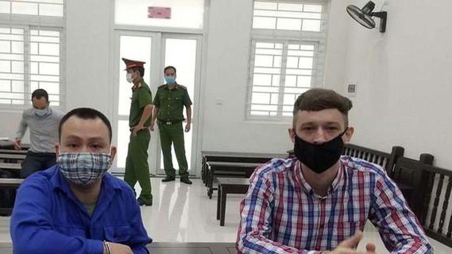 Hà Nội: Chủ quán cơm lên mạng học cách 'gia công' ma túy