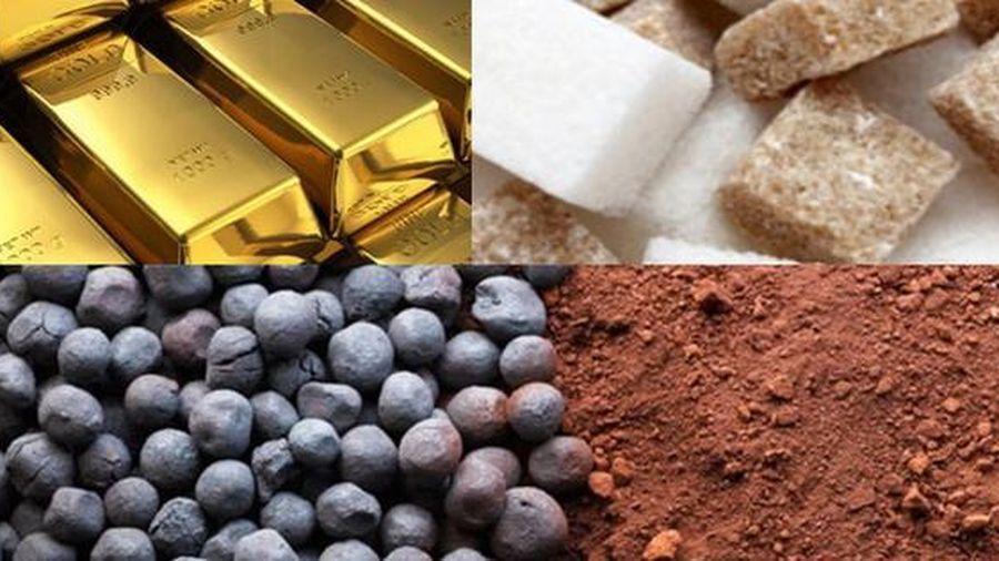 Thị trường ngày 4/8: Vàng đảo chiều giảm do USD mạnh lên, than cốc và quặng sắt tăng cao