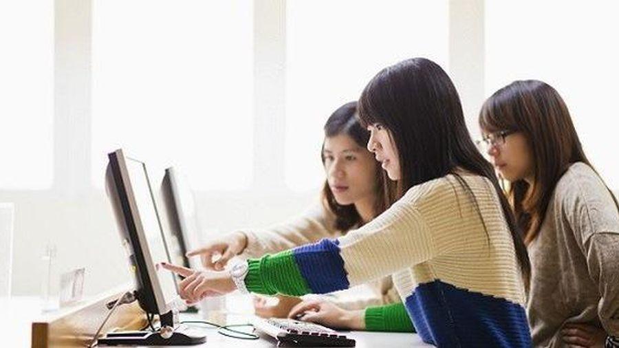Hà Nội: Nhiều trường đã tuyển được hơn 70% chỉ tiêu vào lớp 10 THPT trong ngày đầu tuyển sinh trực tuyến
