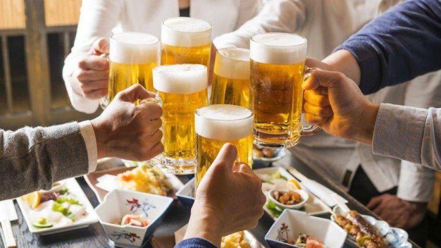 Đề nghị phạt 5 thanh niên ở Đà Nẵng hơn 42 triệu vì tụ tập ăn nhậu