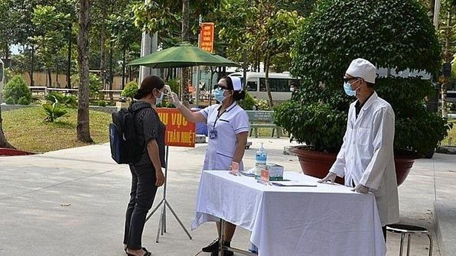 Tuyên truyền rộng rãi để mọi người dân chủ động khai báo y tế, lấy mẫu xét nghiệm