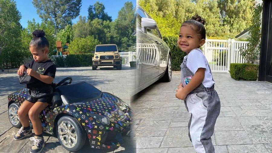 Con gái Kylie Jenner mới tí teo chưng diện đồ hiệu chả kém cạnh người mẹ giàu có
