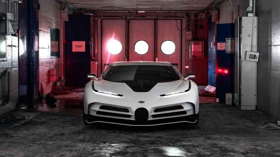 Vô địch Seria A, CR7 vung tiền mua siêu xe Bugatti phiên bản giới hạn