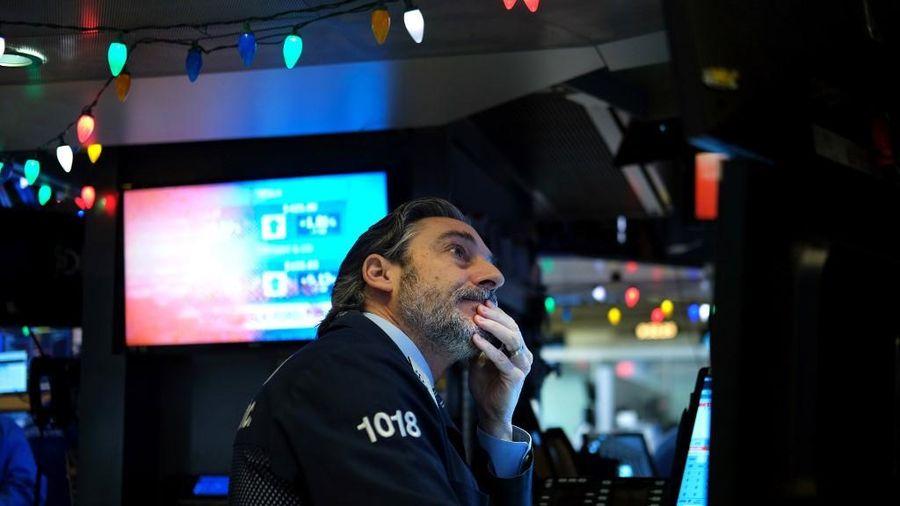Giới đầu tư hứng khởi với dữ liệu kinh tế