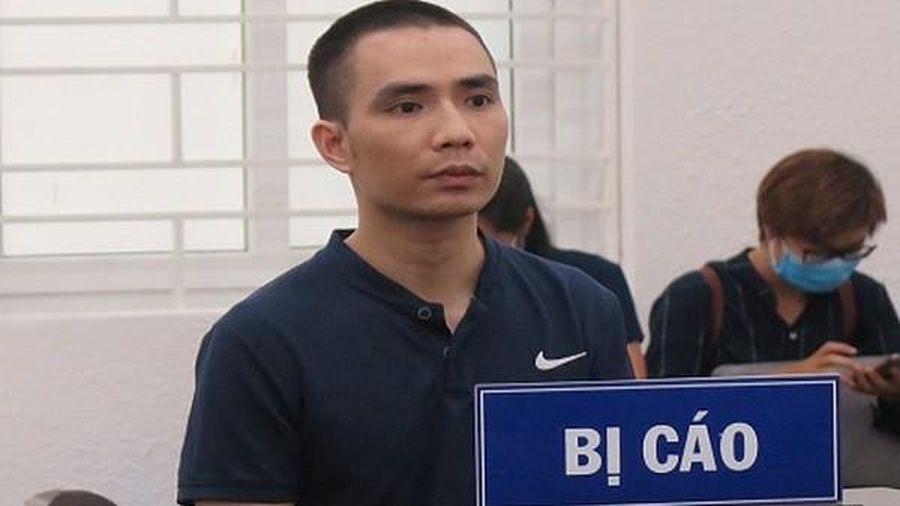 Nam công nhân đánh đồng nghiệp suýt chết vì hay tin bị nói xấu