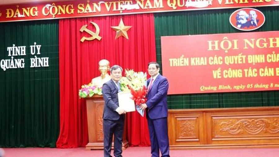 Thứ trưởng tuổi 7X về làm Bí thư Tỉnh ủy Quảng Bình