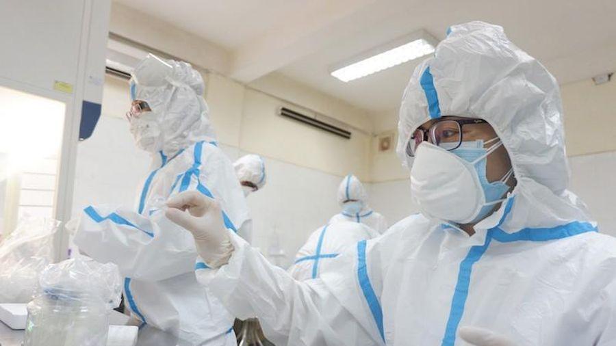 Bên trong trung tâm xét nghiệm COVID-19 lớn nhất Đà Nẵng