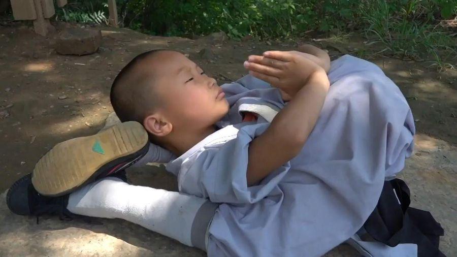 Cậu bé TQ 9 tuổi học võ Thiếu Lâm để bảo vệ gia đình
