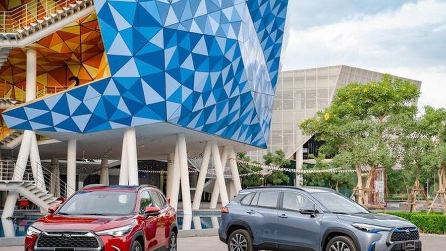 Toyota Corolla Cross ra mắt Việt Nam, giá cao nhất hơn 900 triệu đồng