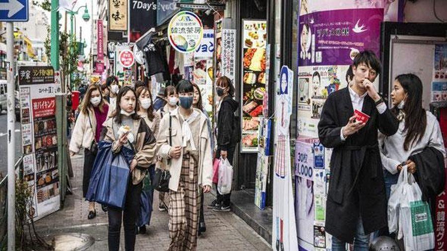Tỷ lệ người trẻ nhiễm Covid-19 tăng 3 lần, Nhật Bản có thể tái áp đặt tình trạng khẩn cấp
