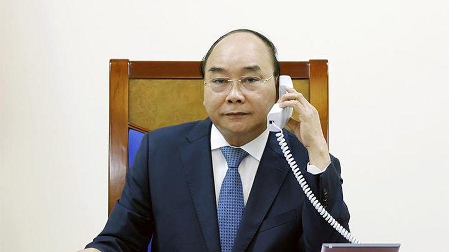 Thủ tướng Nguyễn Xuân Phúc điện đàm với Thủ tướng Nhật Bản S.A-bê