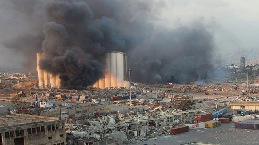 Vụ nổ ở Beirut: Cảnh đổ nát ở Thủ đô Lebanon sau vụ nổ 'như động đất 4,5 Richter'