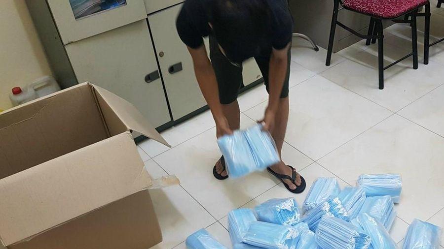 Bắt gần 600 nghìn khẩu trang không nguồn gốc 'tuồn' về Hà Nội