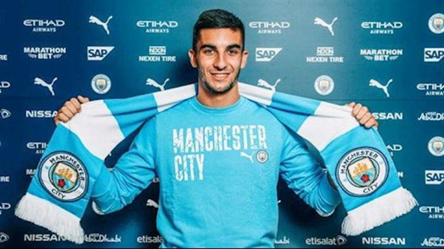 Chính thức: Ferran Torres cập bến Man City