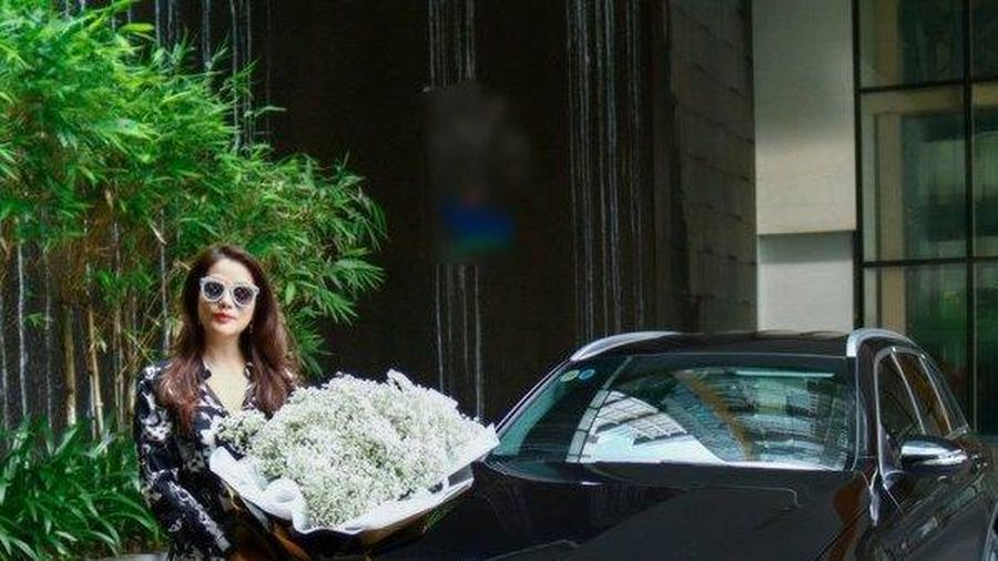 Bóc giá xế hộp Mercedes-Benz Trương Ngọc Ánh mới tậu để đưa con đi học