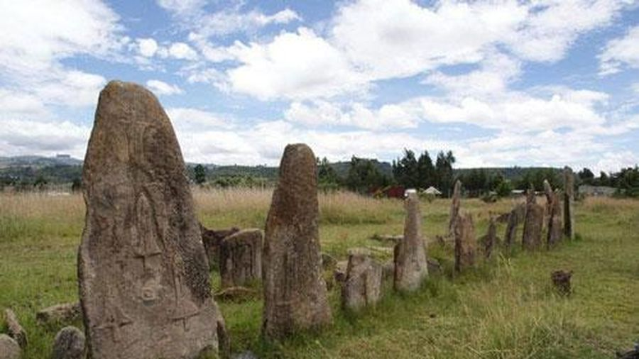 Bãi đá cổ huyền bí ở Châu Phi khiến các nhà khảo cổ học 'đau đầu' vì không giải mã nổi