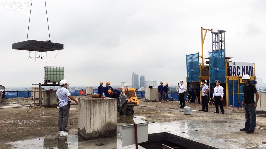 Sai phạm tòa nhà 8B Lê Trực: Cắt, dỡ hàng loạt tấm bê tông tại tầng 18