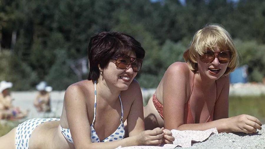Phụ nữ Liên Xô từ rất sớm đã không lạ lẫm gì với bikini