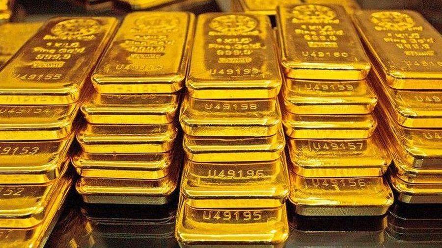 Giá vàng trong nước điều chỉnh 3 lần trong một buổi sáng, vượt 60 triệu đồng/lượng