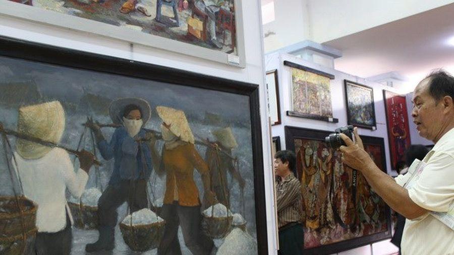 Mở cửa triển lãm tranh của các họa sỹ đương đại hàng đầu Việt Nam