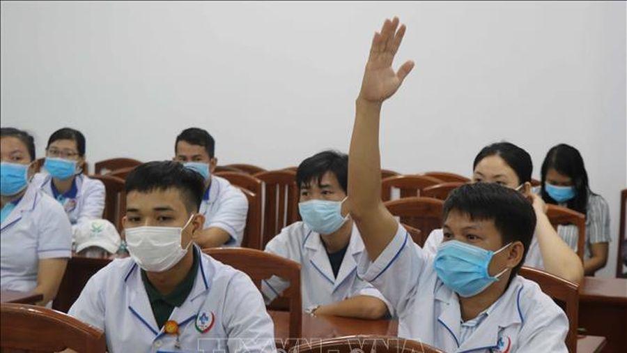 Đoàn bác sỹ, nhân viên y tế của Bình Định tình nguyện lên đường hỗ trợ Đà Nẵng chống dịch