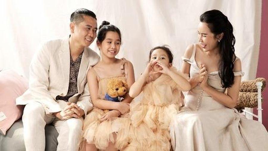 Sau sóng gió ly hôn, Lưu Hương Giang chia sẻ ảnh gia đình hạnh phúc
