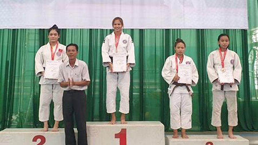 Judo giành 5 HCV, 4 HCB, 8 HCĐ