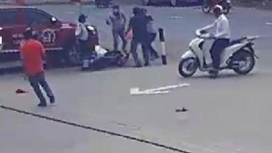 Cướp xe máy tẩu thoát sau khi giật hụt sợi dây chuyền