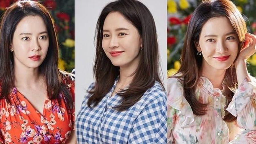 Dù phim 'Mình Từng Yêu Nhau' có rating thảm, Song Ji Hyo vẫn cực 'hot' chỉ vì 3 bộ váy này