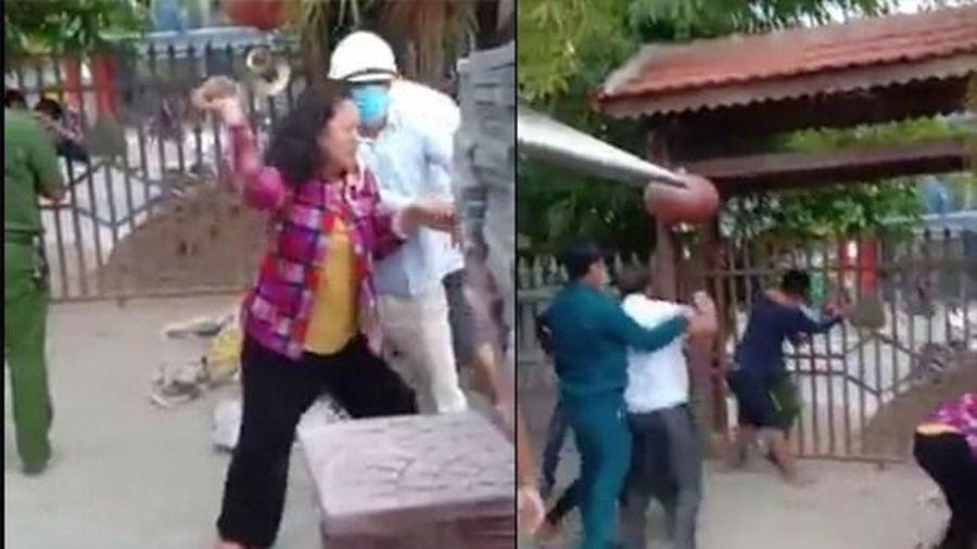 Đà Nẵng: Xây dựng trái phép, tấn công người thi hành công vụ