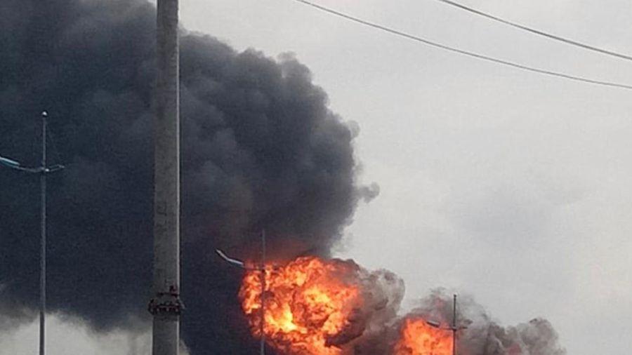 Hậu sự cố cháy kho hóa chất ở Long Biên: Thông số môi trường không ảnh hưởng tới sức khỏe người dân