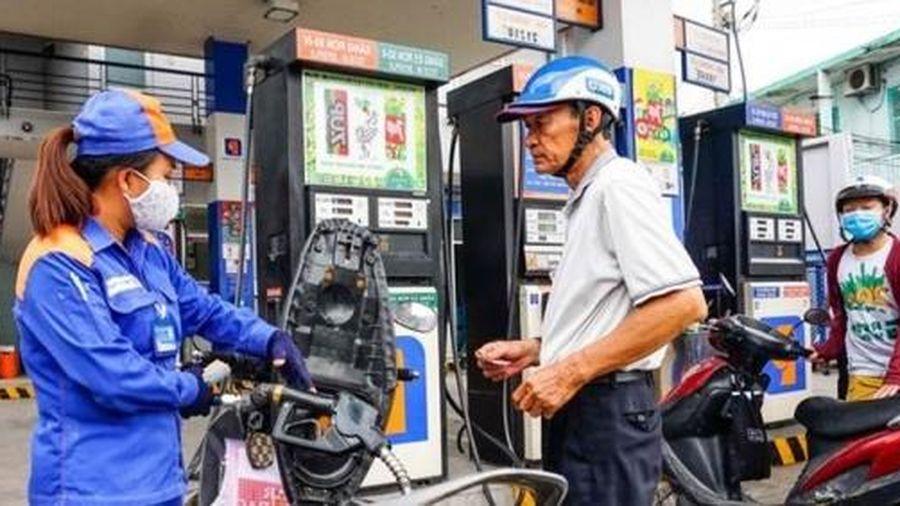 Giá xăng dầu hôm nay 7/8: Giảm sâu do tồn kho cao