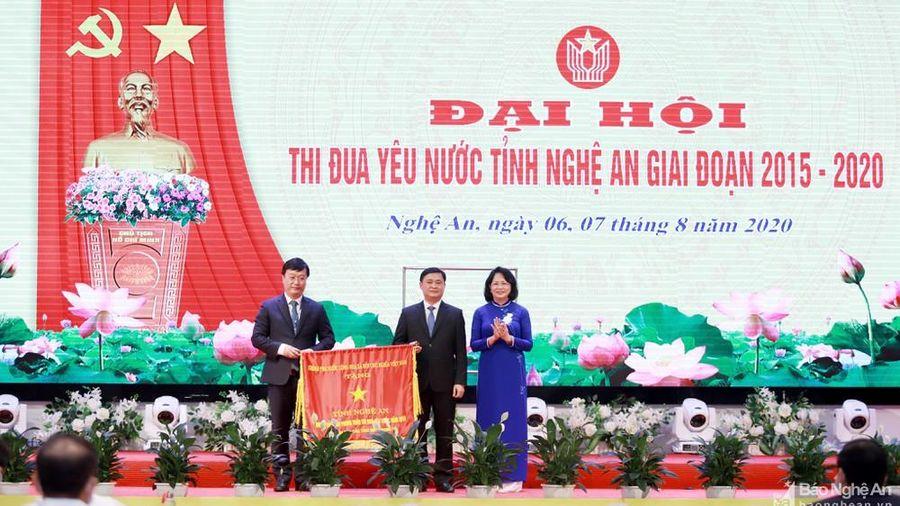 Phó Chủ tịch nước dự Đại hội Thi đua yêu nước tỉnh Nghệ An